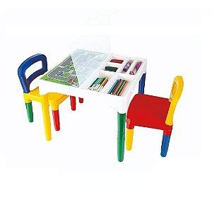 Mesinha Infantil Didática com 2 Cadeiras Poliplac
