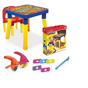 Mesinha Infantil com cadeira Play-Doh com acessórios