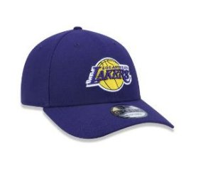 BONÉ 9FORTY ABA CURVA AJUSTÁVEL NBA LOS ANGELES LAKERS TEAM COLOR ROXO