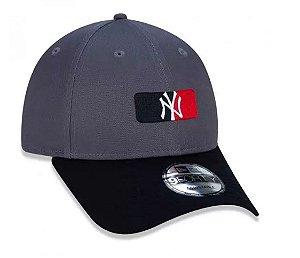 Boné New Era Snapback New York Yankees MLB Aba Curva Cinza
