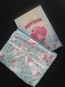 Bolsinha de tecido e livro Para Sempre Lara