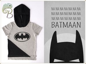 Camiseta Infantil Manga curta com Touca e Logo do Batman