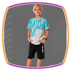Conjunto infantil camiseta estampa Play Hard e bermuda em moleton