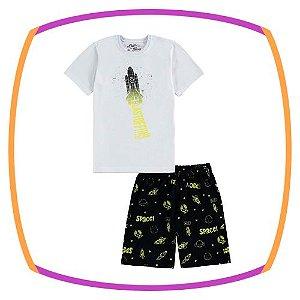 Pijama infantil em meia malha, camiseta estampa foguete e bermuda estampada