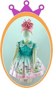 Vestido Alice no País das Maravilhas com Aplicações em Pérolas