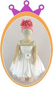 Vestido Maquinetado com Pregas no Peito e Flor no Cinto - Cor: Branca
