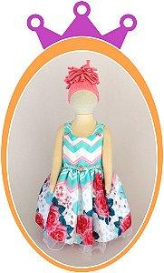 Vestido em Cetim com Estampa Rosas Grandes e Aplique de Pérola no Cinto