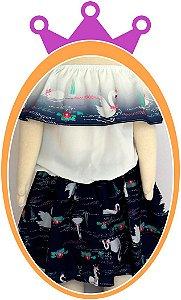 Conjunto infantil Blusa Ombro a Ombro e Saia Shorts com Estampa de Cisne