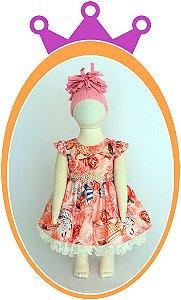 Vestido em Tom Laranja com Estampa de Flores e Chá, Cinto com Pérolas e Pedras