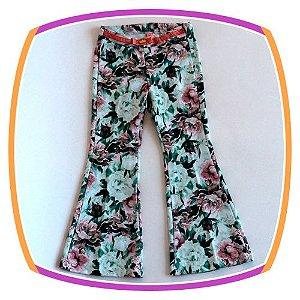 Calça Flare infantil Rosa Estampa Floral com cinto em veludo