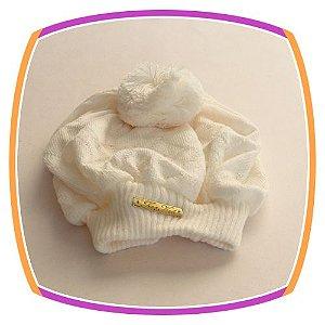 Boina infantil em tricot na cor pérola