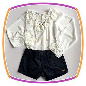 Conjunto infantil Bata com Renda e Shorts