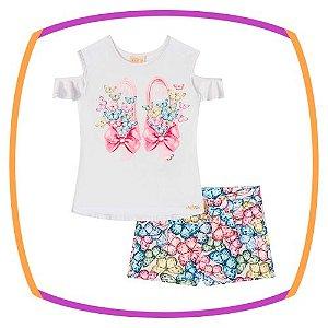Conjunto infantil de Blusa estampa sapatos e borboleta e shorts em sarja  estampa borboletas