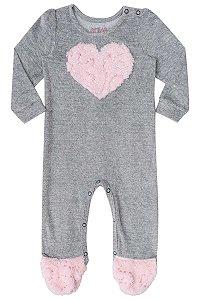 Macacão para bebê em plush e pelo com aplique de coração