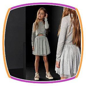 Conjunto infantil Blusa Cropped em malha tricot e saia em tule plissado cinza