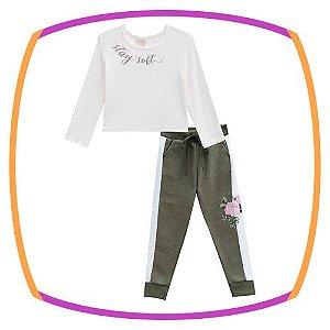 Conjunto infantil Blusa em Ribana Branca e jogger em moleton verde