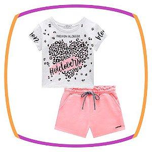 Conjunto infantil blusa boxy meia malha Branca estampa Coração e shorts em moleton rosa