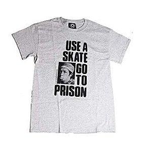 Camiseta Thrasher Tubular Use Skate Go to Prision Importada Small