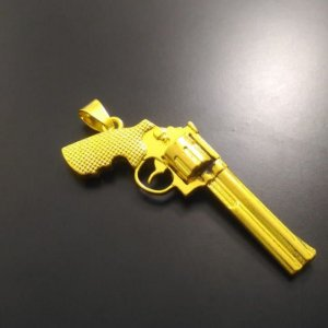 Pingente Pistola Magnum Banhada a Ouro 18K