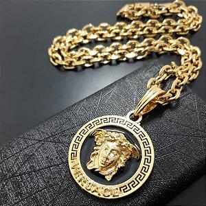 Corrente cartier Cadeado 70cm 7mm Banhada a Ouro 18K + Pingente Medusa Fundo Preto