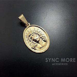 Medalha com Face de Cristo Banhado a Ouro 18K