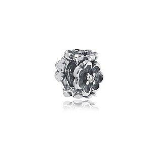 Berloque de Prata Separador Florzinha com Zircônias Cristal