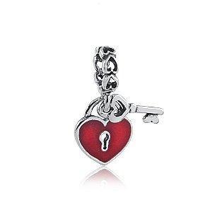 Berloque de Prata Pingente Coração com Chave Vermelho