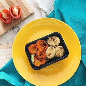 Bolinho de falafel, legumes grelhado, arroz integral e feijão 320g