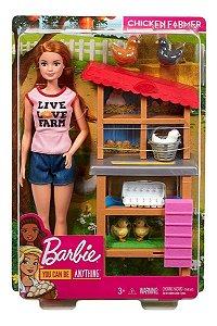 Boneca Barbie Quero Ser Cuidadora Do Galinheiro Mattel