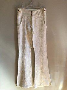 Calça flare textura branca (38) - Animale NOVA