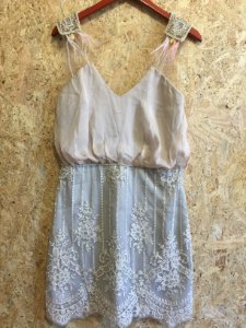 Vestido curto renda nude (40) - M.Rodarte