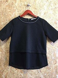 Blusa preta textura (P) - Shoulder