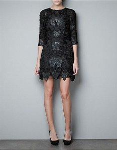 Vestido renda (G) - Zara
