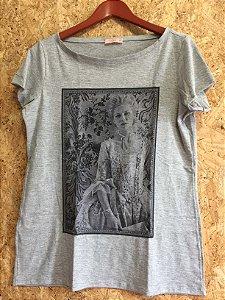 Tshirt cinza (40) - Lafê
