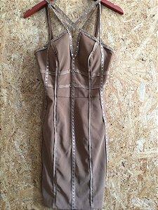 Vestido curto e justo caramelo (38) - Regina Salomão