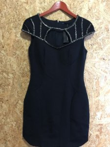 Vestido preto detalhe no decote (38) - Regina Salomão