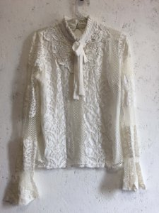 Blusa renda off white (M) - Cloude