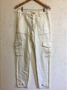 Calça off white (M) - S. Club NOVA