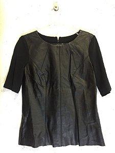 Blusa preta manga curta (M) - Betelgeuse
