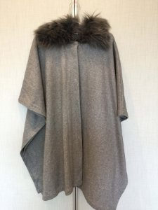 Poncho cinza (M) - Forever 21