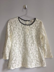 Blusa renda off white (M) - Forever 21