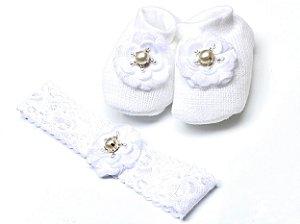 Sapatinho Tricô Branco com Flor de Tecido e Faixa Combinando - Roana