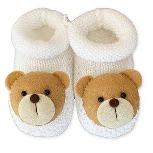 Sapatinho de Tricô Branco Detalhe Urso