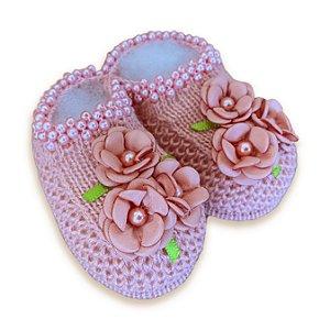 Sapatinho de Tricô Rosê com Detalhes Flores