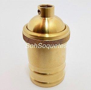 Soquete de metal com acabamento em latão dourado