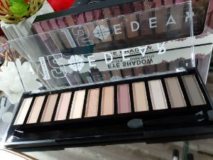 eyeshadom paleta 15 color