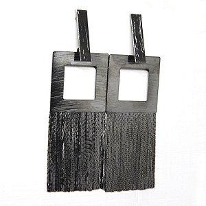 Brinco quadrado de franjas folheado em ródio negro