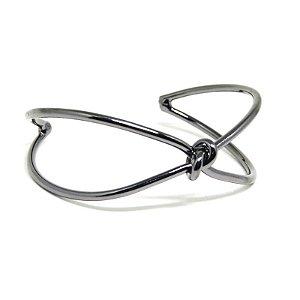 Bracelete torcido folheado em ródio negro