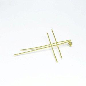 Brinco unico cruz folheado em ouro 18k
