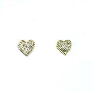 Brinco pequeno de coração cravejado de zirconia folheado em ouro 18k